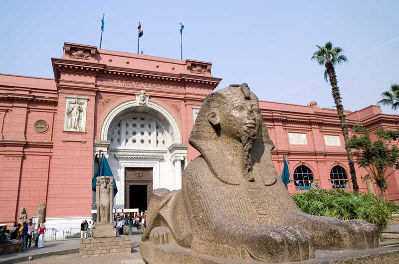 Day Tour to Giza Pyramids and the Egyptian Museum Tour
